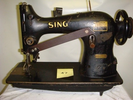 SINGER 44-10 sewing machine