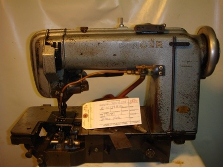 SINGER 300W104, One Needle, Walking foot, Chainstitch Sewing Machine