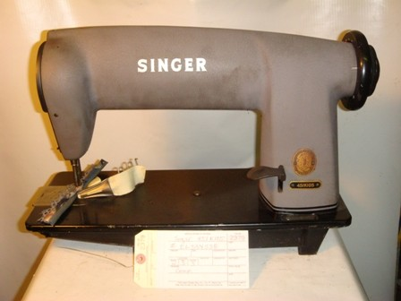 SINGER 451K105, SINGLE NEEDLE