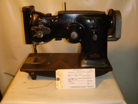 SINGER 143WSV 4, zig zag sewing machine with the cam