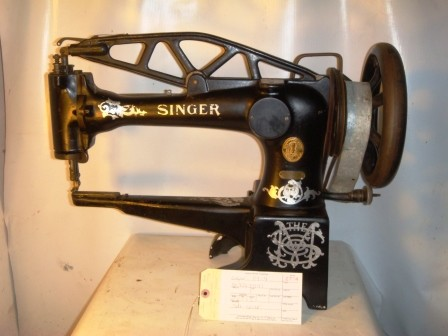 SINGER 29-4 Leather Sewing Machine