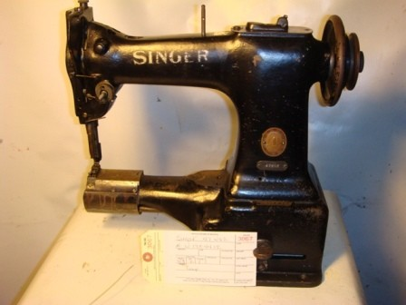 SINGER 47W62, CYLINDER ARM SEWING MACHINE
