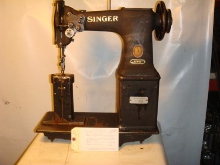 SINGER 52W22, TWO NEEDLE, POST SEWING MACHINE