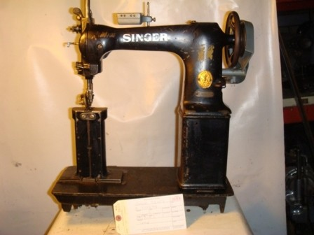 SINGER 52W7, TWO NEEDLE, POST SEWING MACHINE