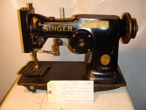 SINGER 107W1, zig zag sewing machine