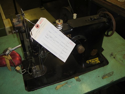 SINGER 107W1 High Speed Zig Zag Locksttich Machine