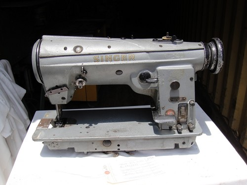 Singer 457 G113, Zig Zag Sewing Machine, broken lever