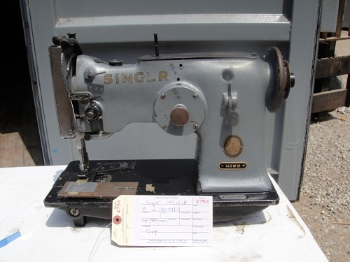 Singer 143W18 zig zag sewing machine